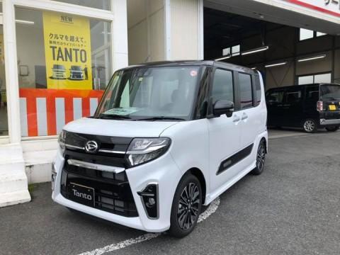 本日新型「タントカスタムRS」の展示車が入庫しました!